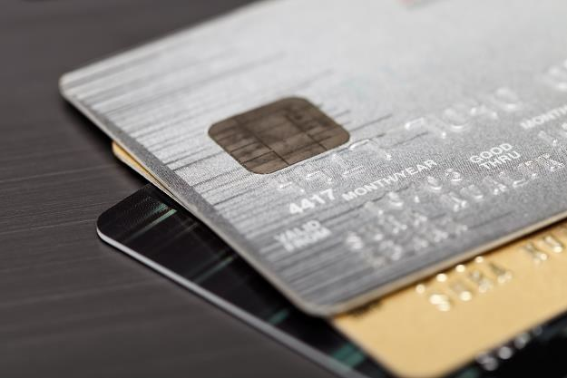 Niemal 5 mln Polaków ma karty kredytowe /©123RF/PICSEL