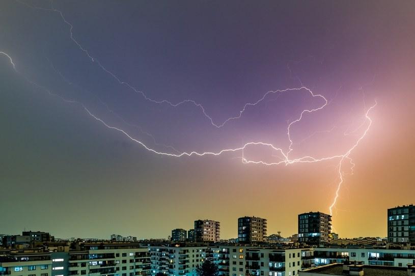 Niemal w całej Polsce spodziewane są burze z gradem / Arkadiusz Ziolek /East News