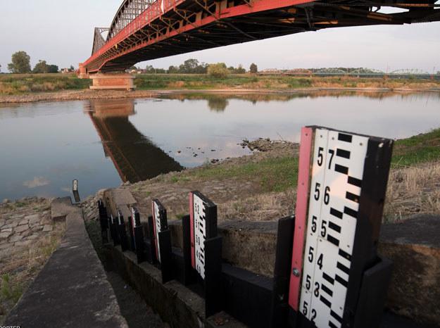 Niemal we wszystkich rzekach poziom wody jest rekordowo niski / Zdjęcie ilustracyjne /Piotr Dziurman/REPORTER /East News