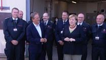 Niemcy: Angela Merkel odwiedziła strażaków, którzy walczyli z powodzią