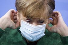 Niemcy: Angela Merkel rozważa godzinę policyjną