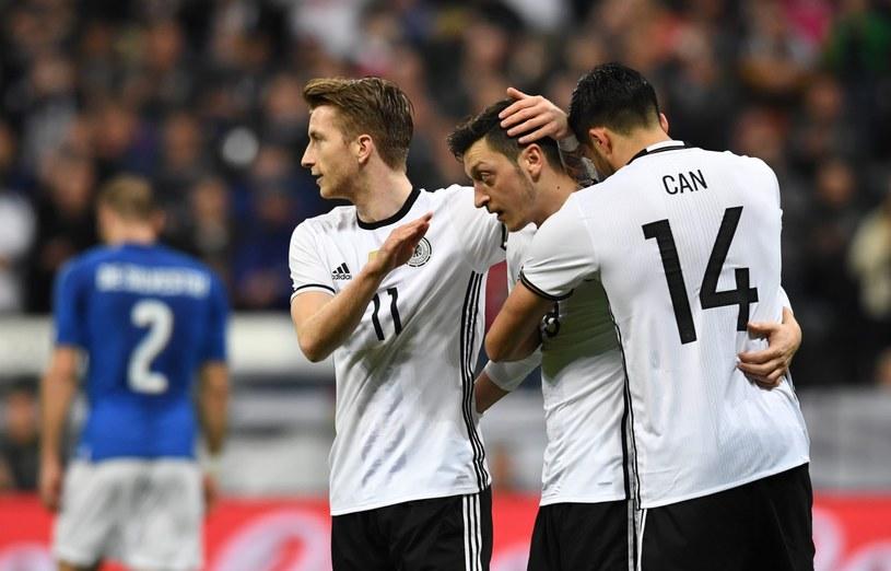 Niemcy będą grupowymi rywalami Polaków na Euro 2016 /PAP/EPA