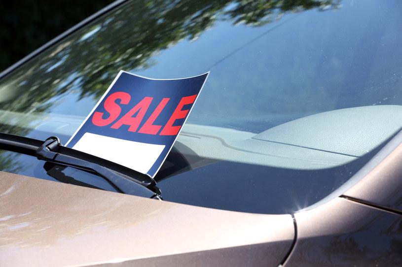 Niemcy chętniej kupują teraz używane samochody /123RF/PICSEL