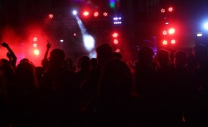 Niemcy: Epidemia koronawirusa po imprezie na 300 osób. Przyszło na nią dwóch zakażonych