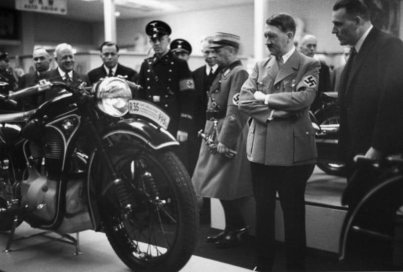Niemcy Hitlera stawiały na rozwój przemysłu (głównie wojennego) /East News