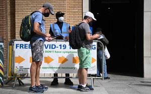 Niemcy. Lekarze krytykują obowiązek noszenia maseczek i apelują o przyspieszenie szczepień