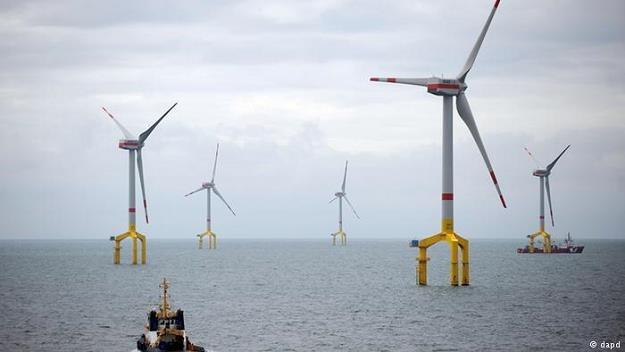 Niemcy mają gigantyczne opóźnienia w rozbudowie sieci elektroenergetycznej /Deutsche Welle