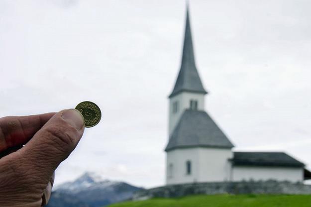 Niemcy masowo uciekają z kościołów! /© Panthermedia
