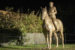 Niemcy: Odsłonięto wydrukowany w 3D pomnik kanclerz Angeli Merkel