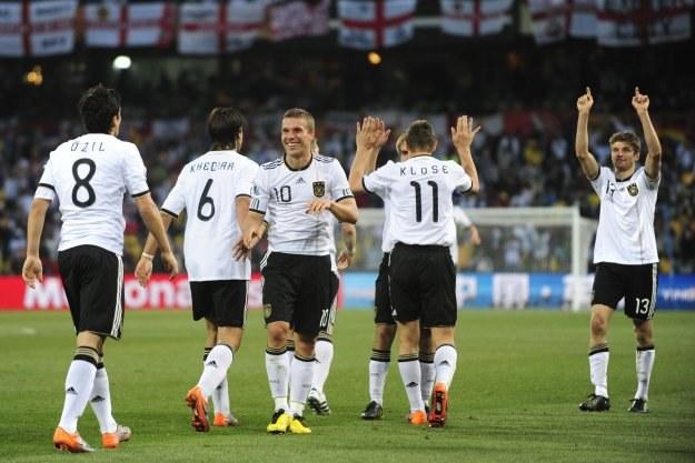 Niemcy pokonali Anglię i awansowali do ćwierćfinału /AFP