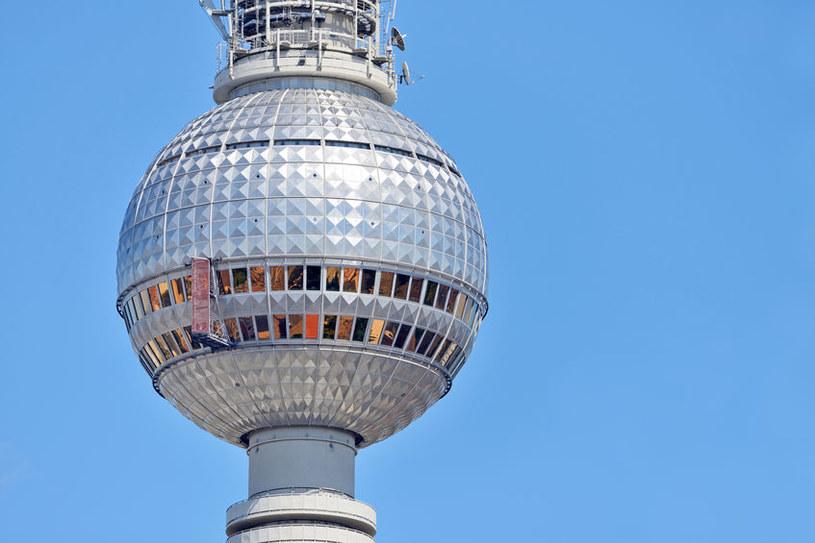 Niemcy powoli wychodzą z pandemii. Na zdj. wieża telewizyjna w Berlinie /123RF/PICSEL