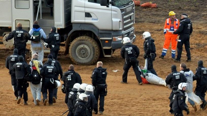 Niemcy: Protest ekologów przeciwko wydobyciu węgla brunatnego /Philipp Guelland /PAP/EPA