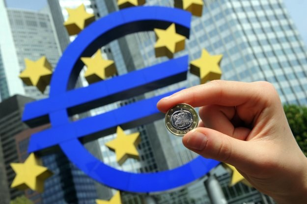 Niemcy przez 10 lat gotowi byli na wiele wyrzeczeń dla stabilnego euro /AFP