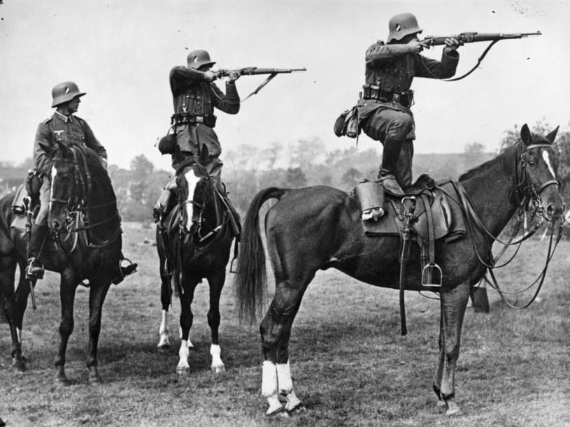Niemieccy kawalerzyści w czasie szkolenia tuż przed wybuchem wojny /Getty Images/Flash Press Media