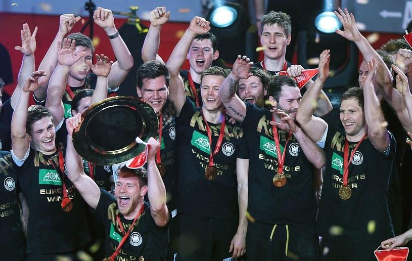 Niemieccy piłkarze ręczni /AFP