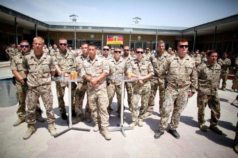 Niemieccy żołnierze w bazie Mazar-i-Szarif /AFP