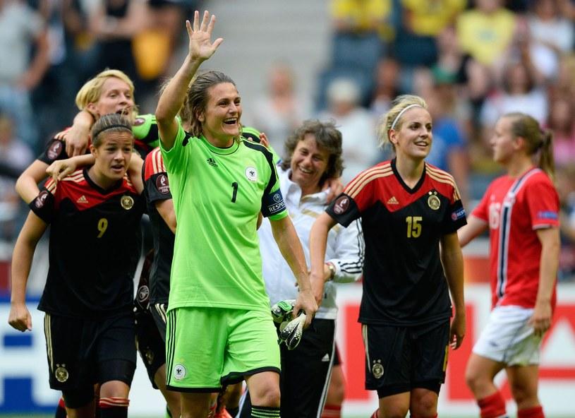 Niemiecka bramkarka Nadine Angerer (w środku) /AFP