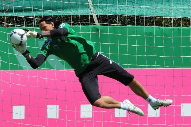 Niemiecka drużyna podczas treningu - Euro 2012 może stać się gradką dla cyberoszustów /AFP