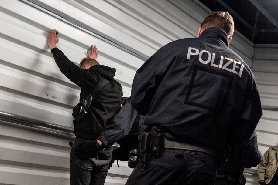Niemiecka policja stawia warunki kandydatom. Nie  mniej niż 163 cm wzrostu /Markus Heine /PAP/EPA