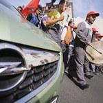 Niemiecka załoga Opla protestuje przeciw planom oszczędnościowym firmy