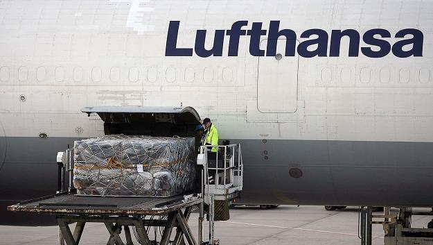 Niemiecki przewoźnik Lufthansa odwołał w piątek wszystkie rejsy na trasie Frankfurt-Warszawa /AFP