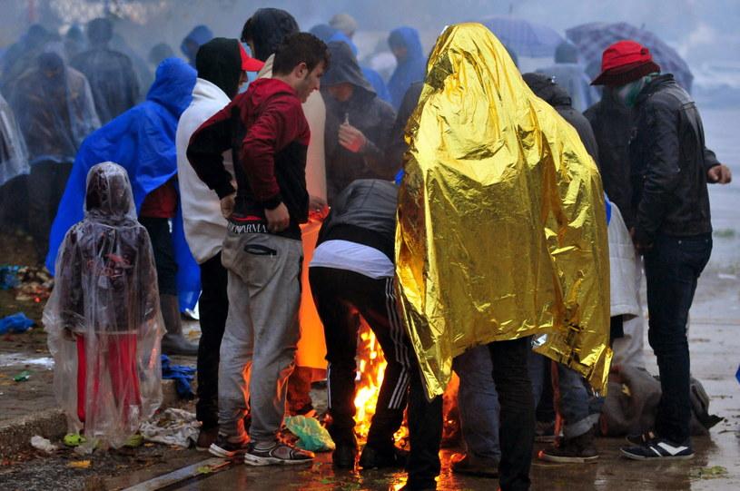 Niemiecki rząd chce bardziej energicznie deportować imigrantów /PAP/EPA