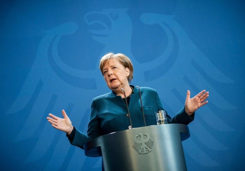 Niemiecki rząd chce w inny sposób śledzić koronawirusa /AFP