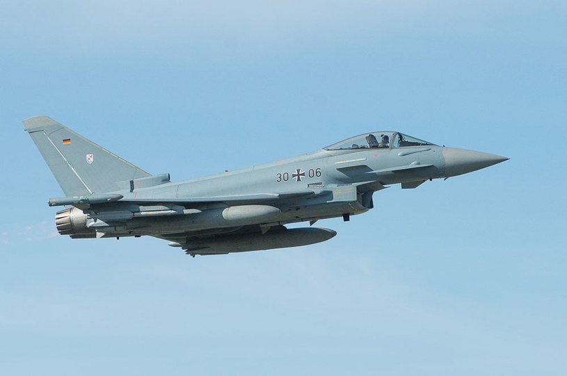 Niemiecki samolot nad bazą NATO w Estonii /AFP