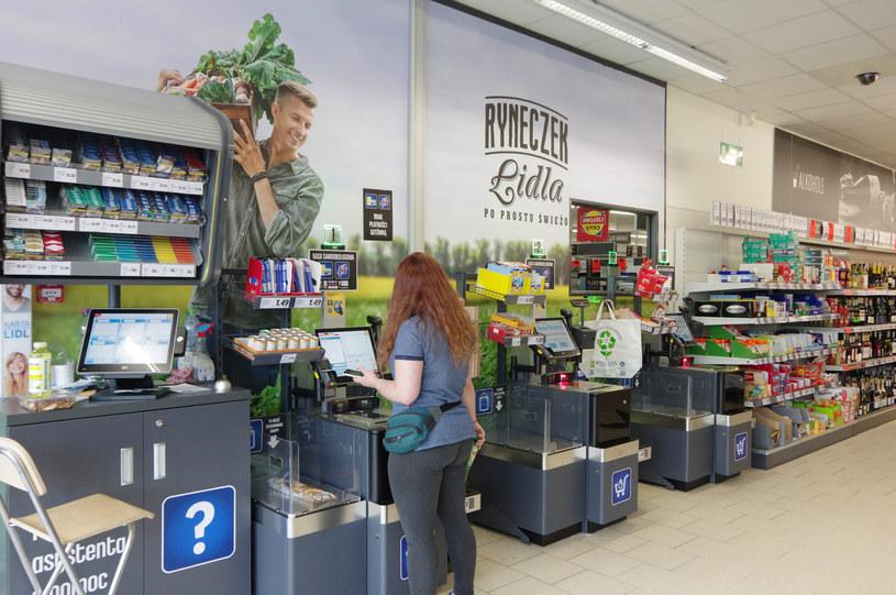 Niemiecki sklep dyskontowy Lidl - kasy samoobslugowe /ZOFIA I MAREK BAZAK  /Agencja SE/East News