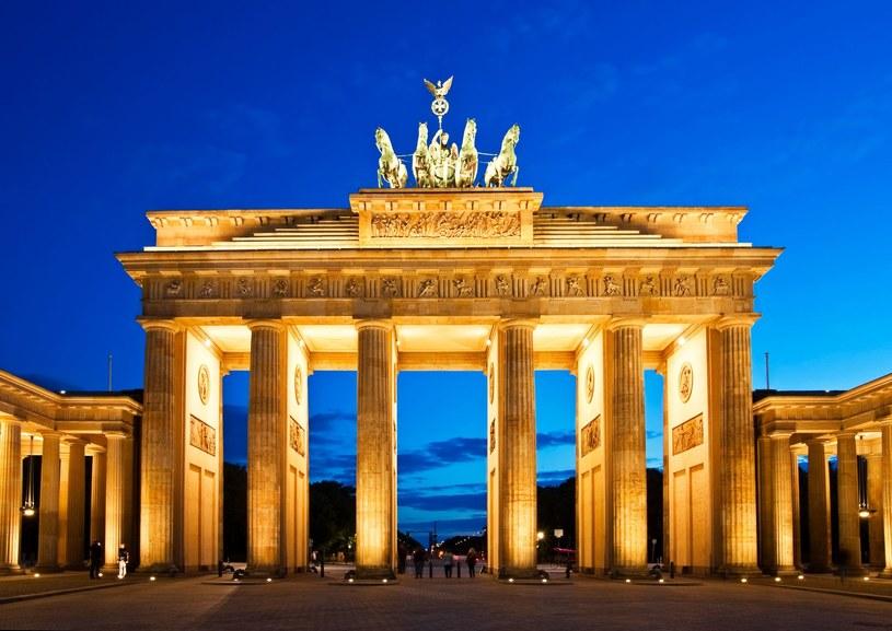 """Niemieckie """"bundy"""" od lat uchodzą za pewną lokatę kapitału. Na zdj. Berlin (Brama Brandenburska) /123RF/PICSEL"""