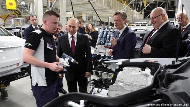 Niemieckie przedsiębiorstwa w Rosji walczą z różnymi problemami /Deutsche Welle