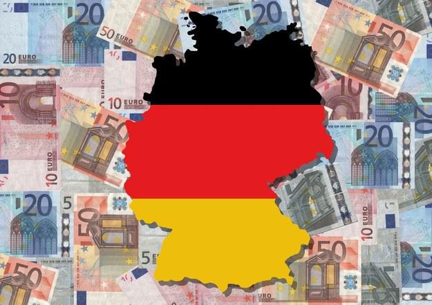 Niemieckie zasiłki kuszą /123RF/PICSEL