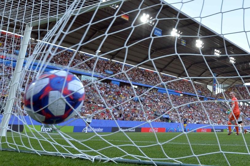 Niemki przegrały na mundialu ze Szwedkami przy niemal pełnych trybunach /AFP