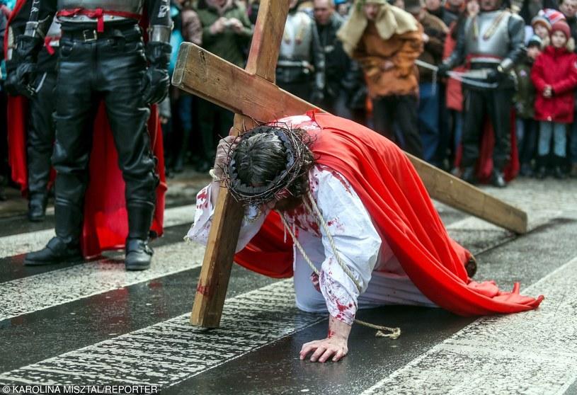 Nieodłącznym elementem Wielkiego Tygodnia tradycyjnie pozostają kościelne widowiska pasyjne /Karolina Misztal /Reporter