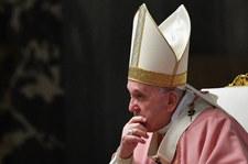 Nieoficjalnie: Papież odprawił mszę w kaplicy kardynała Becciu