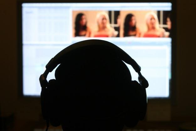 Nieostrożni internauci narażają się na różne niebezpieczeństwa /AFP