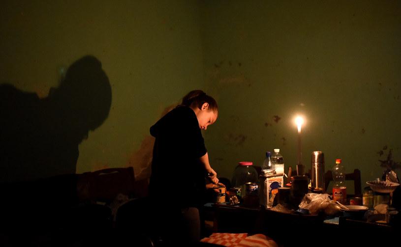 Niepewne schronienie. Piwnica w miejscowości Jasynuwata /AFP