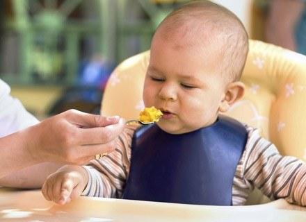 Nieprawidłowe przyrządzanie warzyw i owoców powoduje straty witamin nawet do 75 proc. /ThetaXstock