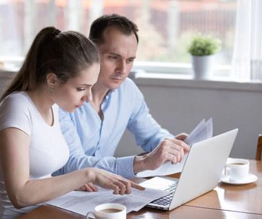Nieruchomości: kolejny bank przykręca śrubę kredytową