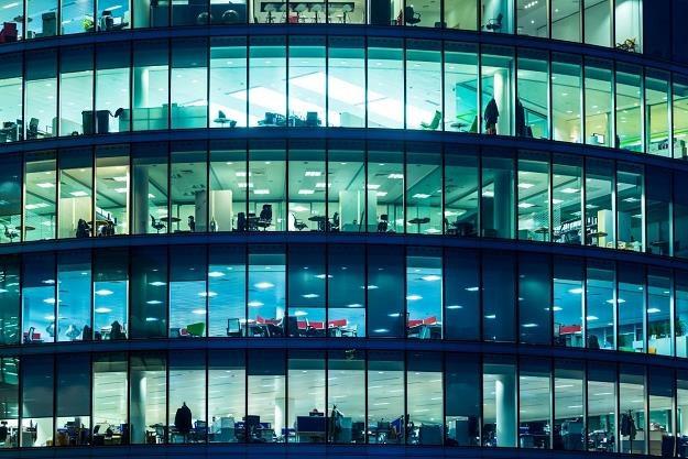 Nieruchomości komercyjne stają się dziś coraz popularniejszą formą inwestycji kapitału /©123RF/PICSEL