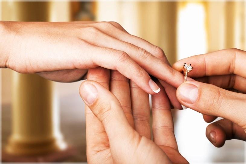 Nierzadko dochodzi do zerwania zaręczyn. Jak w tej sytuacji powinna zachować się kobieta? /123RF/PICSEL