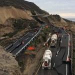Niesamowite zdjęcia zapadniętej autostrady