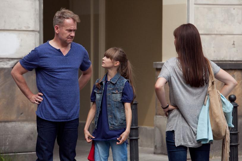 Niesforna dziewczynka okaże się córką komisarza... /x-news/ Agnieszka K. Jurek /materiały prasowe