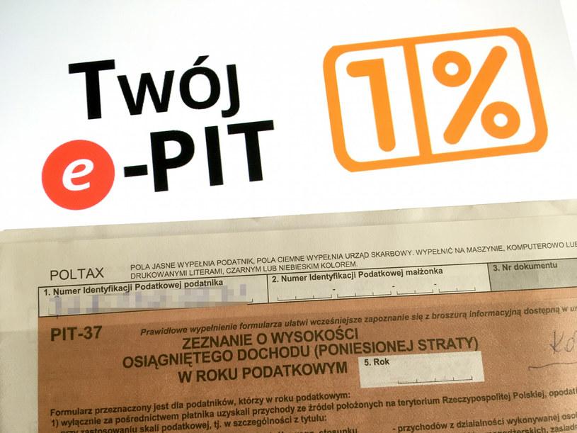 Niespełna miliard złotych dla organizacji pozarządowych z podatku PIT /Piotr Kamionka /Reporter