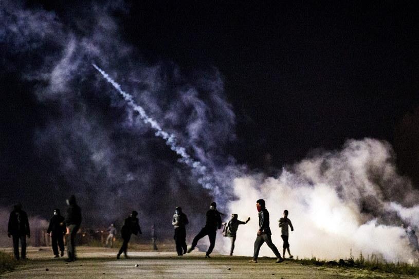 Niespokojna noc w Calais /ETIENNE LAURENT /PAP/EPA