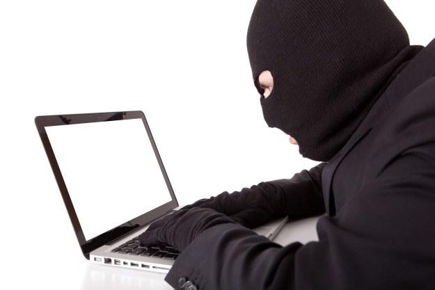 Niestety, cyberprzestępcy korzystają z każdej szansy na kradzież naszych pieniędzy /123RF/PICSEL