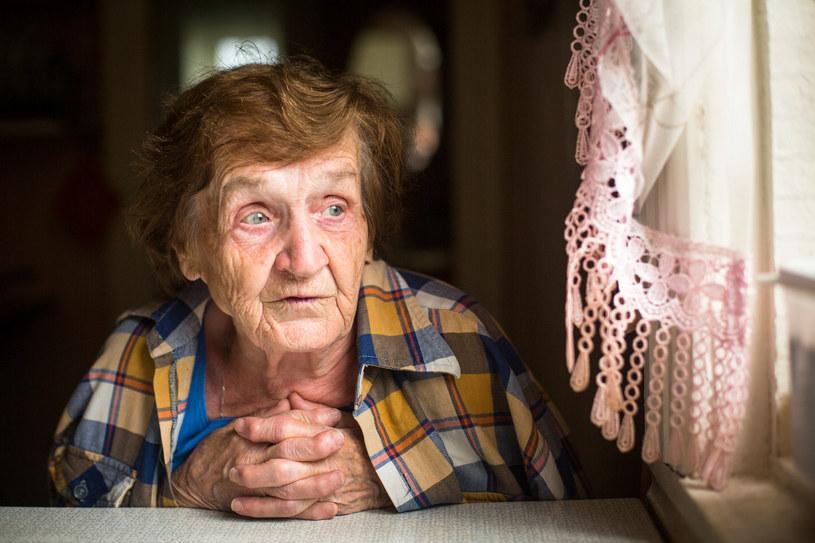 Niestety często błędnie oceniamy problemy z pamięcią u starszych osób /123RF/PICSEL