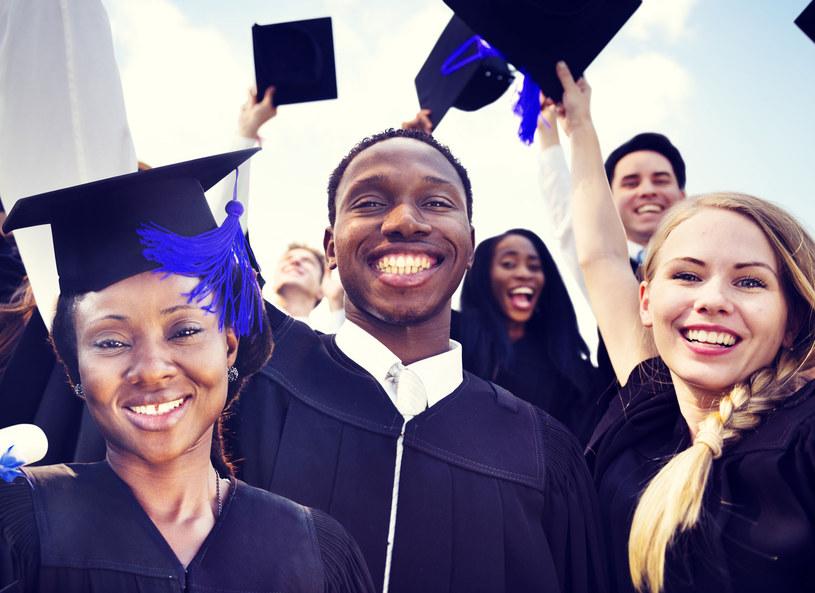 Niestety, dyplom nie gwarantuje zatrudnienia /123RF/PICSEL