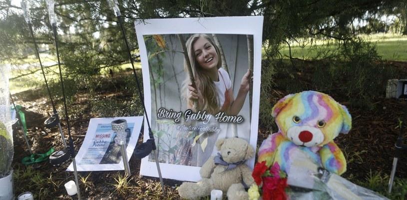 Niestety  finał poszukiwań Gabby Petito okazał się tragiczny. Jej ciało zostało odnalezione w parku narodowym w stanie Wyoming /Octavio Jones/Getty AFP /East News