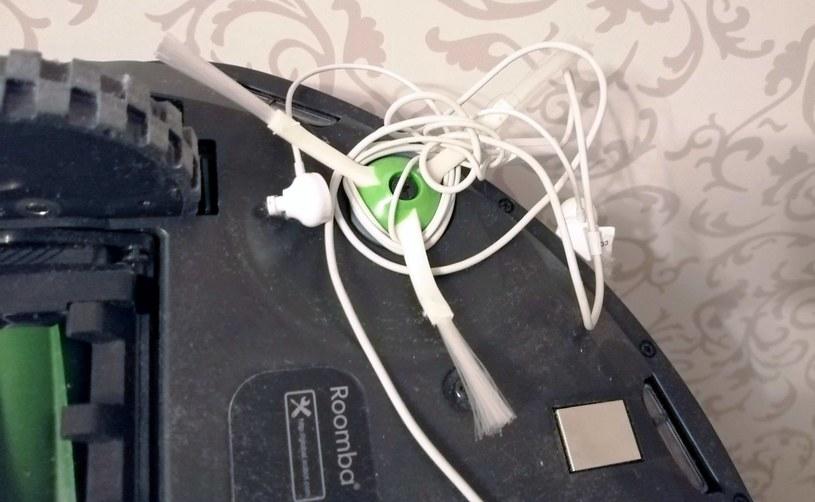 Niestety, np. słuchawki to nadal groźny oponent dla Roomby /INTERIA.PL